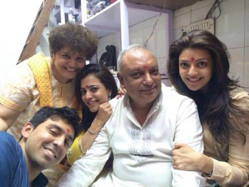 33-kajal-with-her-family