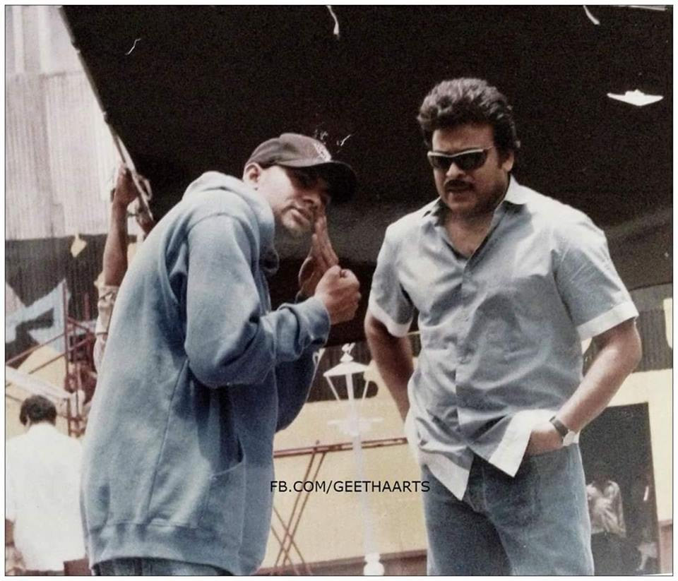 64-chiranjeevi-and-power-star-rare-pic-from-movie-sets